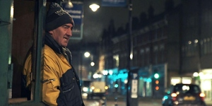 Video: One Of London's Last Paper Sellers