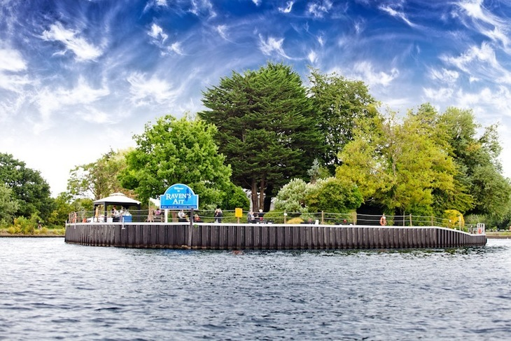 You Can Live On Some Of These London Islands