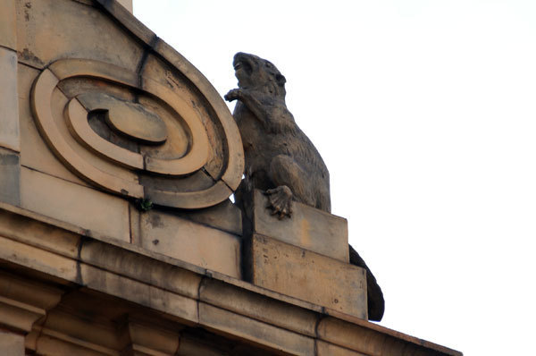 Why is there a quartet of beavers on top of this Oxford Street shop?