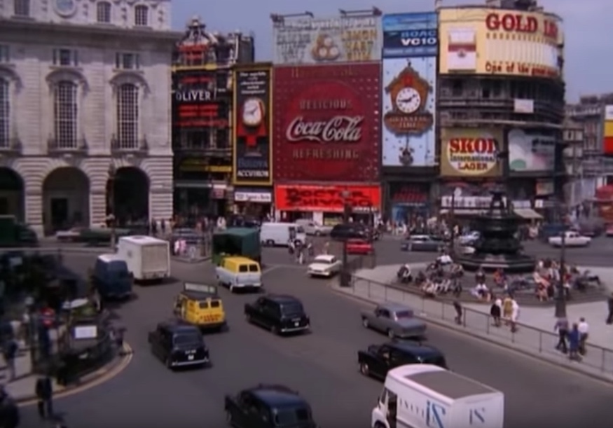 A Fascinating Look Back To Piccadilly Circus In The 60s
