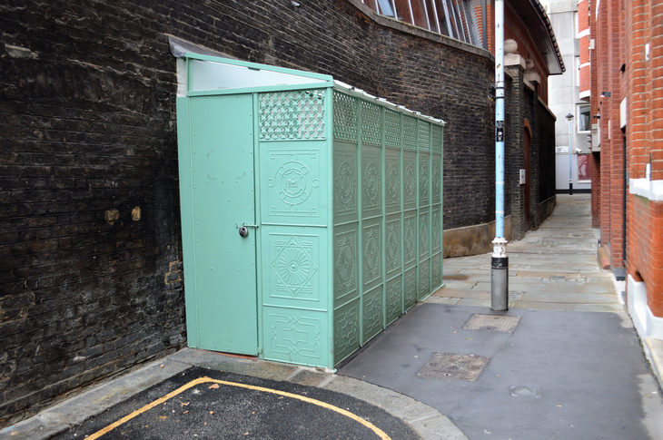 Swinging London's Best And Worst Toilets