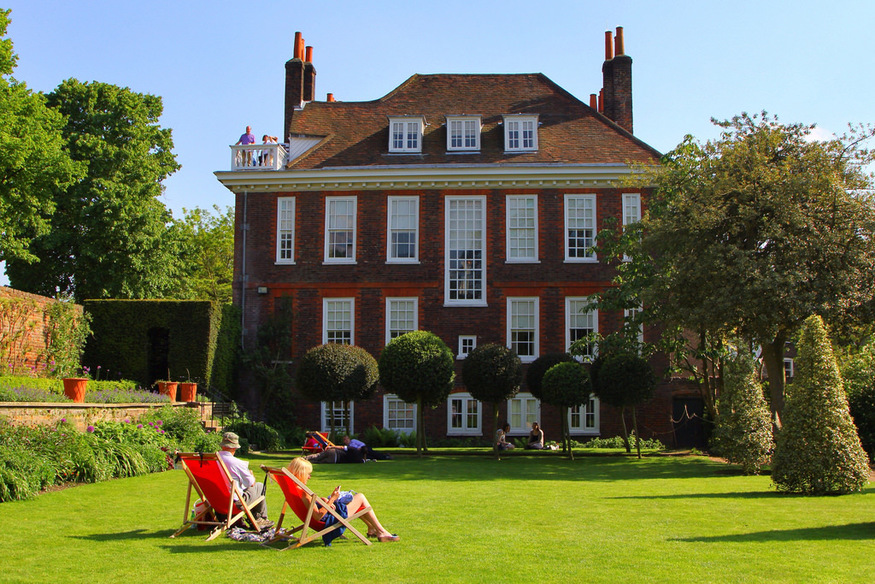 Most romantic London days out and date ideas: Fenton House near Hampstead