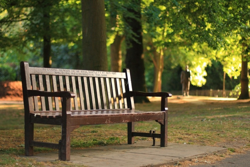 How To Get A Memorial Bench In London