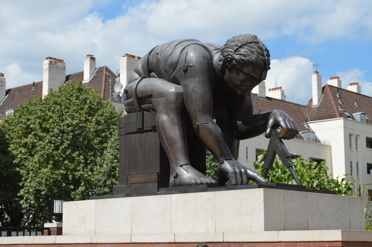 Best modern sculptures in London: Paolozzi outside the British Library