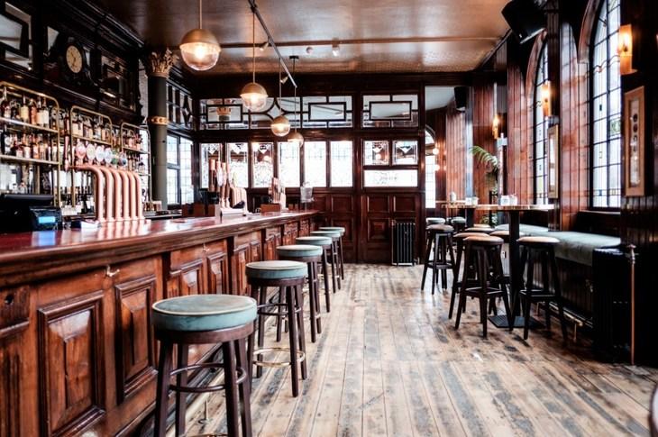 Fuller's Reopen Legendary Pub Where Sinatra Once Sang