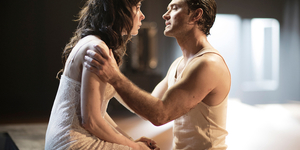 Review: Jude Law Lays Down A Steamy Masterclass