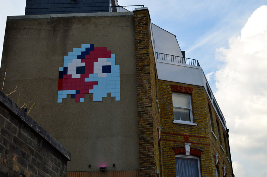 8 bits of important graffiti and street art