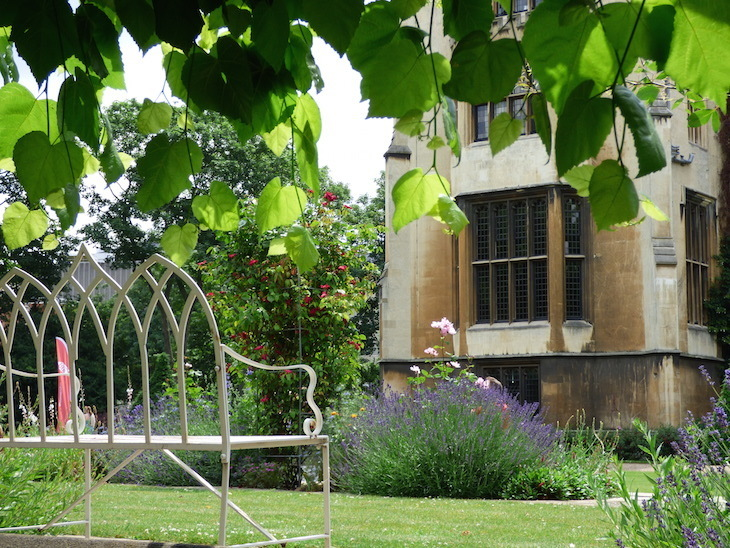 Ever been to this fairytale walled garden right next to the Thames?