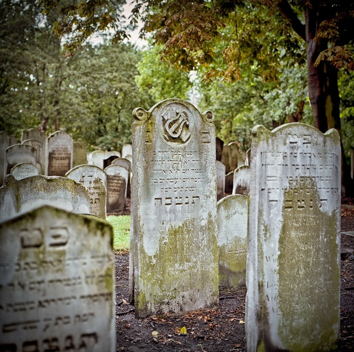 In Pictures: The Understated Beauty Of East End Cemeteries