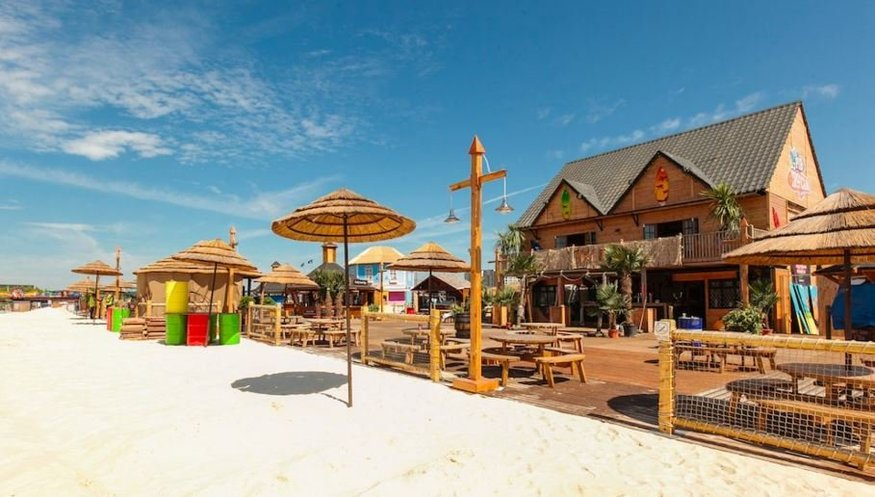 Don't let that summer feeling go at these London beach bars
