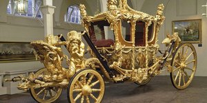 Get Your Royal Bling On With These Spectacular Carriages