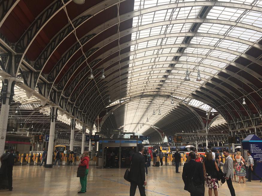 Where is london 39 s best train station shower londonist - Kings cross ticket office opening times ...
