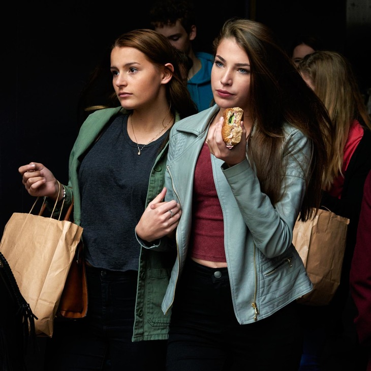 Photographer capture Londoners in a fresh and dramatic light