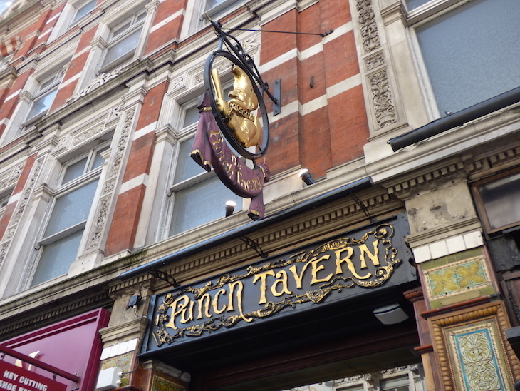 26 Things To Look Out For On Fleet Street