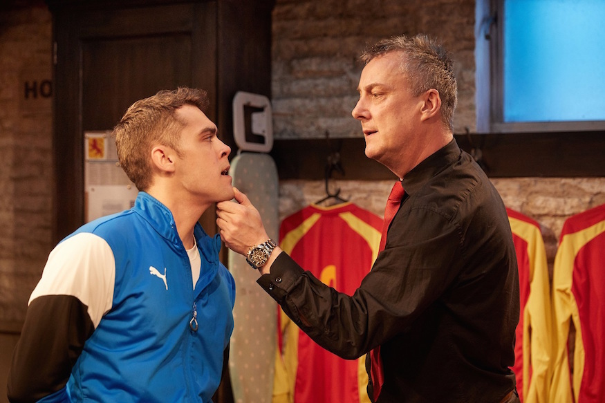 Stephen Tompkinson puts in an excellent performance in The Red Lion