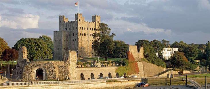castles, castles in kent, kent, outside london, london day trips, day trips from london, visit castles in kent, kent castles, hever castle, dover castle, walmer castle, deal castle, tonbridge castle, lullingstone castle, scotney castle, leeds castle, rochester castle, castles near london