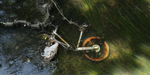Update: Definitive Proof Of Dockless Bikes Chucked Into London's Rivers