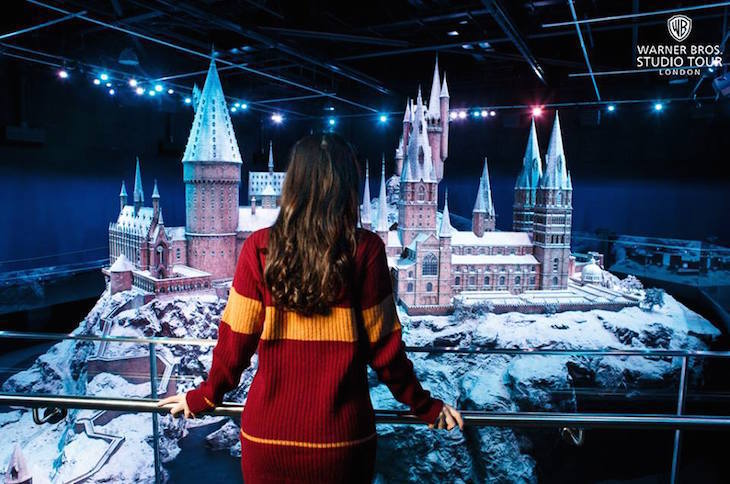 Hogwarts in the Snow - Christmas at Harry Potter studios Warner Bros Studio Tour