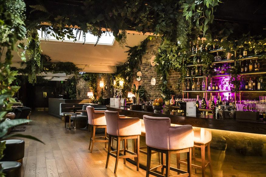 This Knightsbridge Restaurant Is Pure Theatre