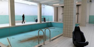 An Abandoned Swimming Pool Has Appeared At Whitechapel Gallery