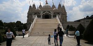 In Photos: The Awe-Inspiring Neasden Temple