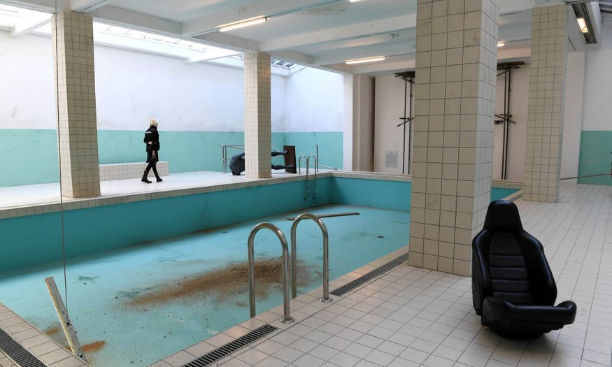 an abandoned swimming pool has appeared at whitechapel gallery londonist