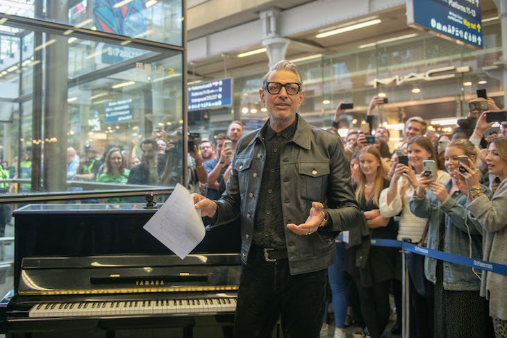 Jeff Goldblum at St Pancras