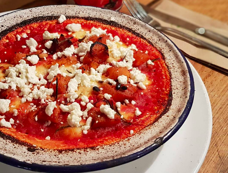 Gluten free comfort food and carbs for coeliacs London pizza-topped butterbean stew at Sodo Pizza