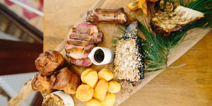 1251 Restaurant Review: A Stonking Sunday Roast, Preluded By Measly Starters