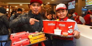 Jubilation And Chickenjoy As Jollibee Opens In London