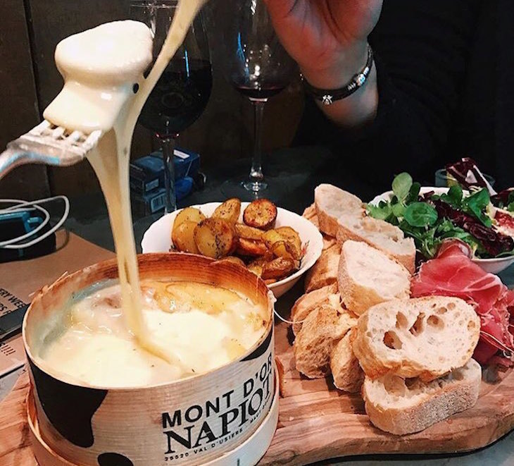 Cheese fondue at Champagne + Fromage - where to get cheese fondue in London
