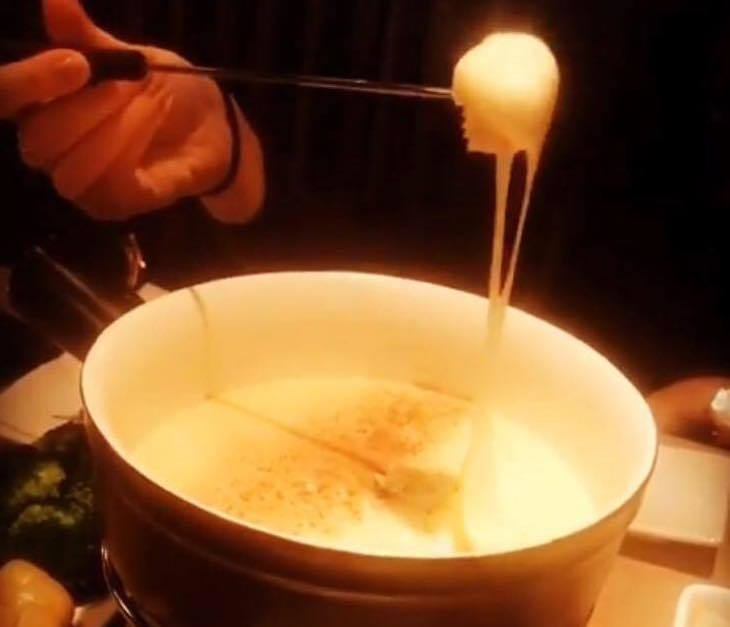 Cheese fondue at Suburb SW11 - finding cheese fondue in London