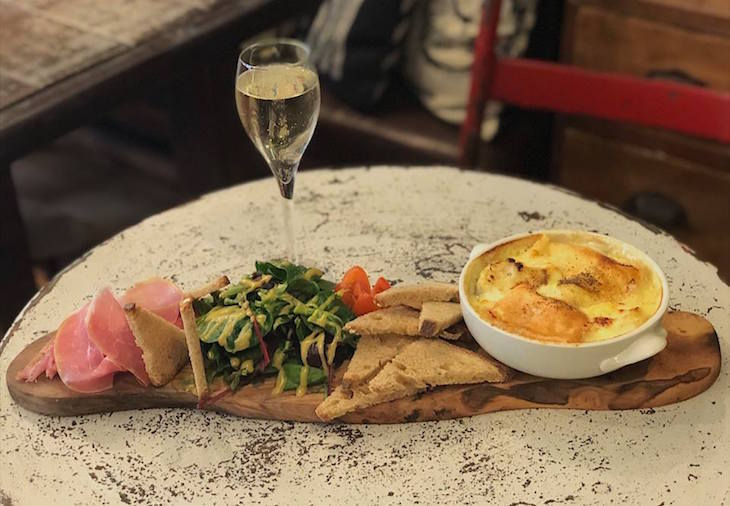 Champage + Fromage, Greenwich: The best food and drink, eating and dining, restaurants, cafes, bars and pubs in Greenwich.jpg