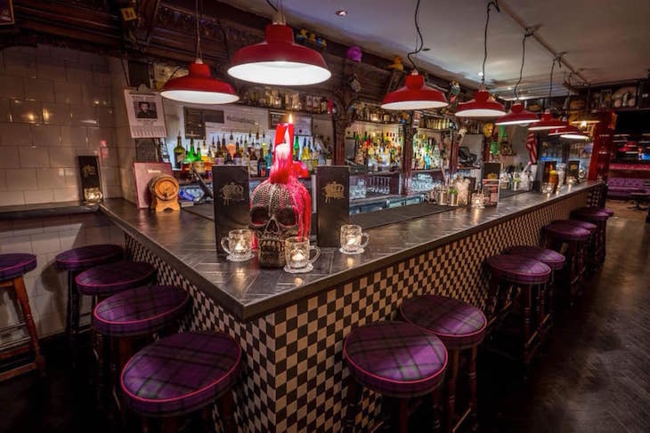 London Cocktail Club, Oxford Circus: The best food and drink, eating and dining, restaurants, cafes, bars and pubs near Oxford Street and Oxford Circus. Also great for hen dos