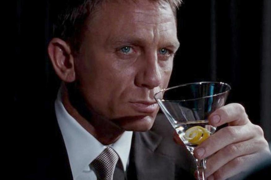 How To Make A Vesper Martini Fit For James Bond | Londonist