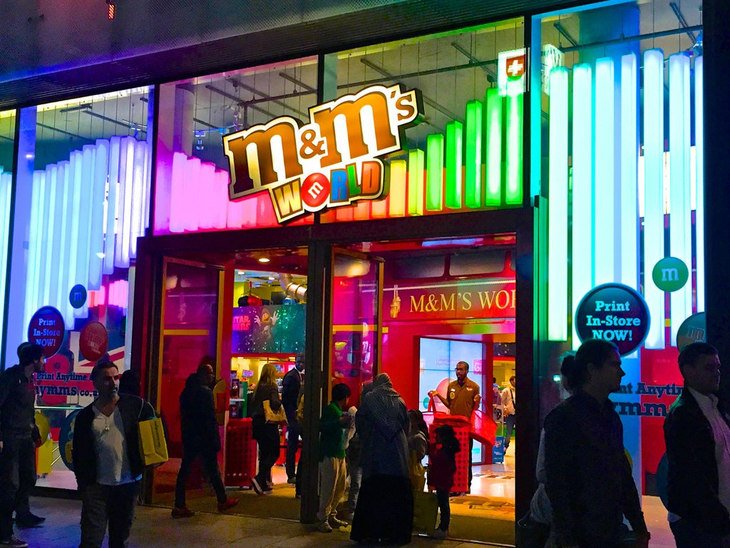 M and Ms store