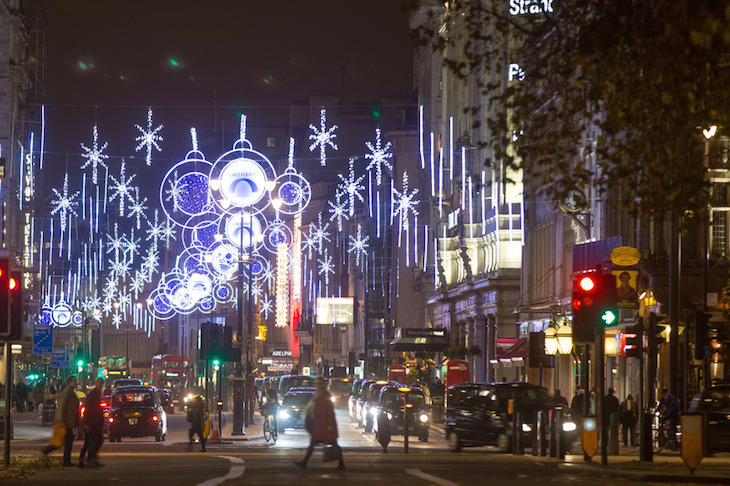 Northbank Christmas lights 2018. How to see London's Christmas lights by bus