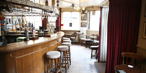 The Best Pubs Near London's Train Stations