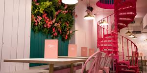 Kalifornia Kitchen: The Pink Vegan Restaurant Where Looks Are The Priority