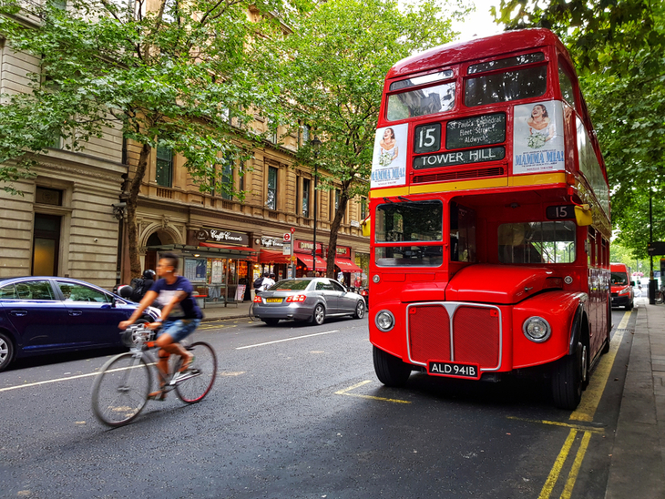 A 15 bus in central London