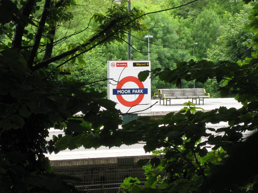 Moor Park roundel