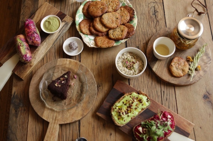 Sugar free dining, drinking, sweets and cakes in London - Nectar Cafe at Triyoga