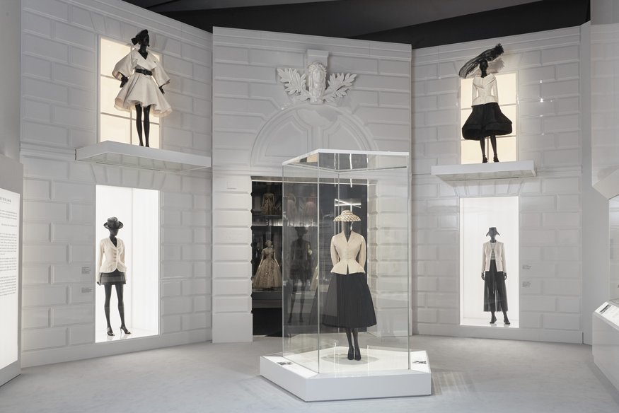 7e61bad87642 J Adore Dior  V A Gives Us Another Spectacular Fashion Exhibition ...
