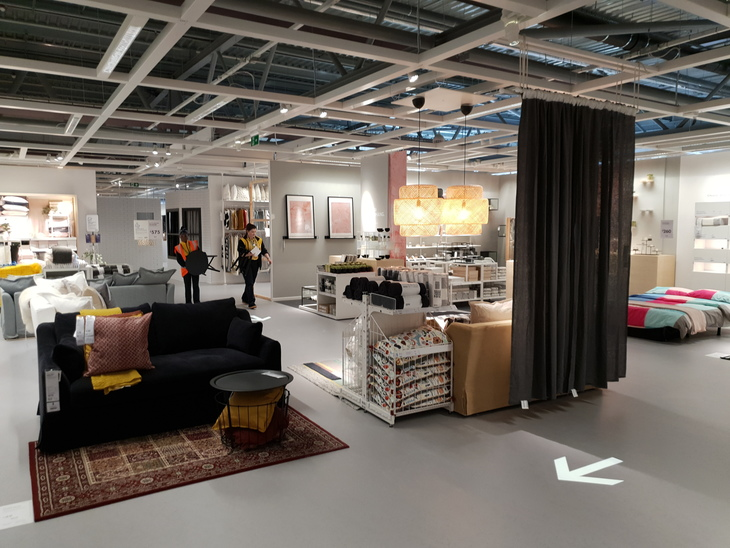 a first look inside the new ikea greenwich londonist. Black Bedroom Furniture Sets. Home Design Ideas