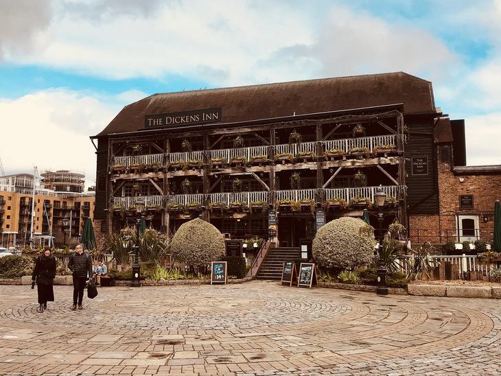 Dickens Inn, St Katharine Docks