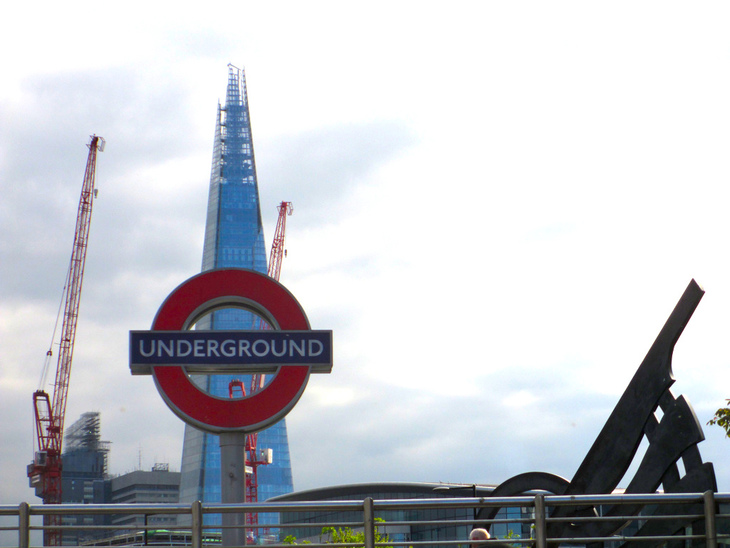 Tower Hill roundel with Shard
