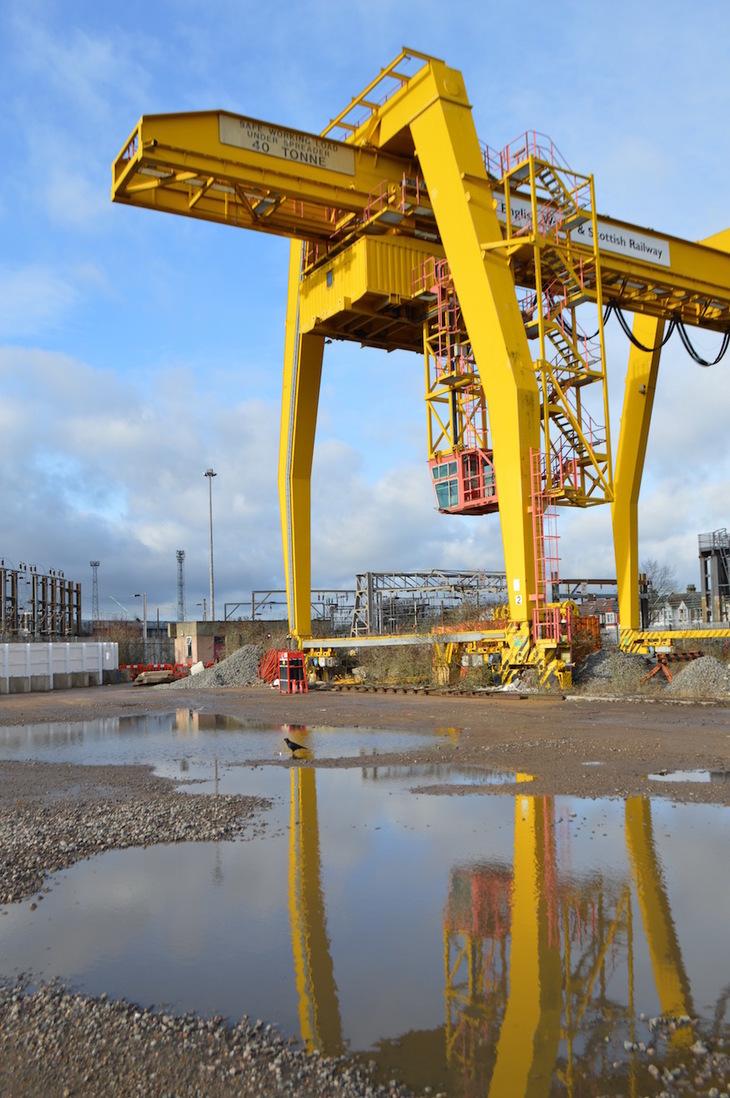 Container crane at Willesden