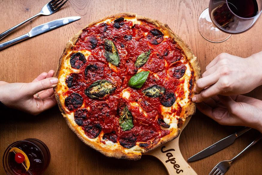 Deep Dish Chicago Style Pizza Finally Arrives In London