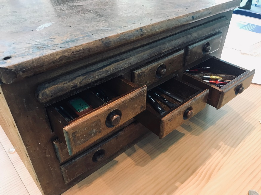 Wooden_tool_box