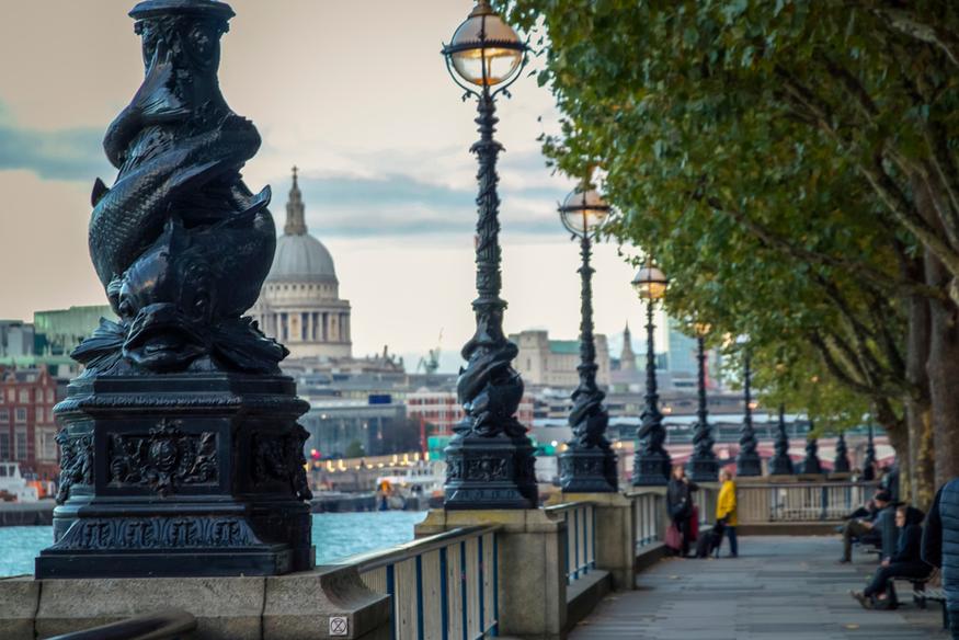 London's famous lamps